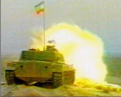 Tank Zulfiqar sedang Menembak